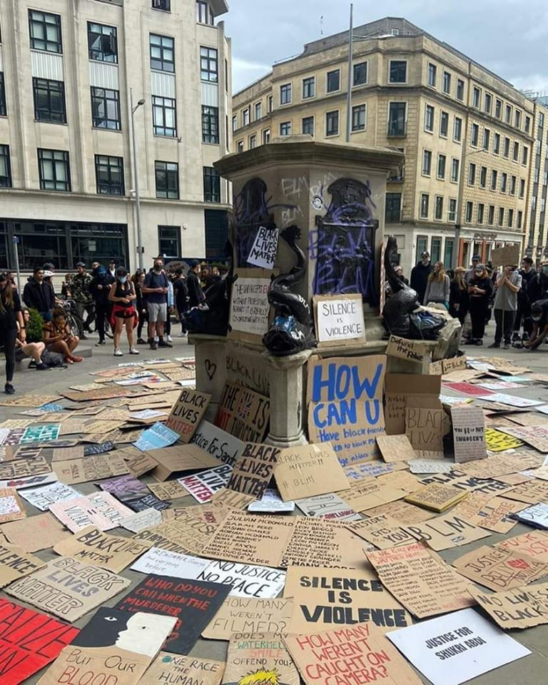 Messages left by the people of Bristol after the removal of the statue